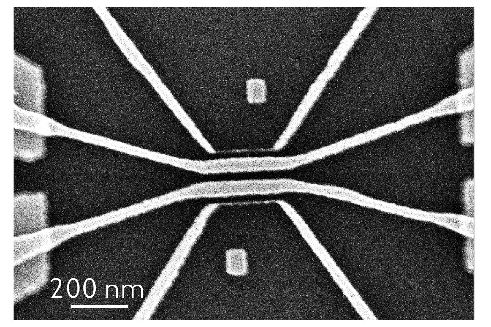 Narrow and broader lines contacted to electrodes prepared by electron beam lithography. The pattern was deposited via the high-resolution lift-off process. (Courtesy of Bojun Cheng, ETH Zurich & Heidelberg Instruments Nano)