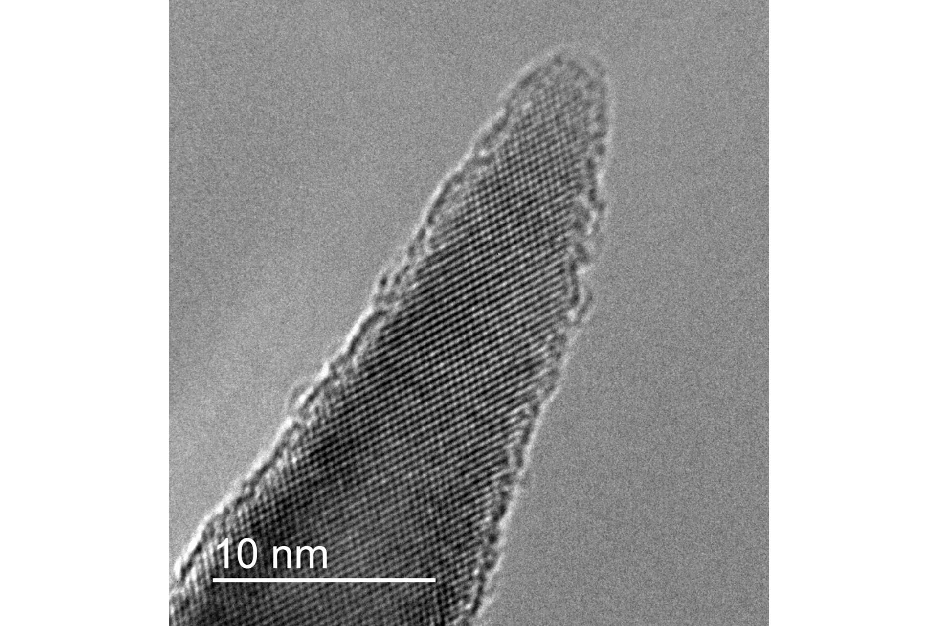 An atomic resolution transmission electron micrograph of a single NanoFrazor tip (Courtesy of Heidelberg Instruments Nano)