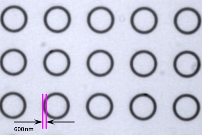 The ULTRA's data path has been designed to be able to handle even complex geometries and dense patterns while upholding high exposure speed – even round or circular features can be written easily. The image shows circles (Ø 5 µm) etched in chrome with a line width of 600 nm. (Courtesy of Heidelberg Instruments)