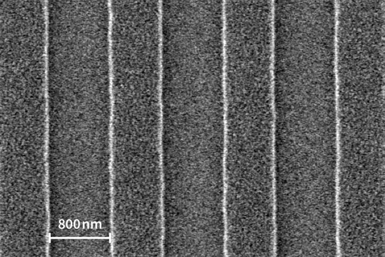 SEM image of a pattern in IP 3250 resist showing a half pitch down to 400nm. (Courtesy of IMS Chips)